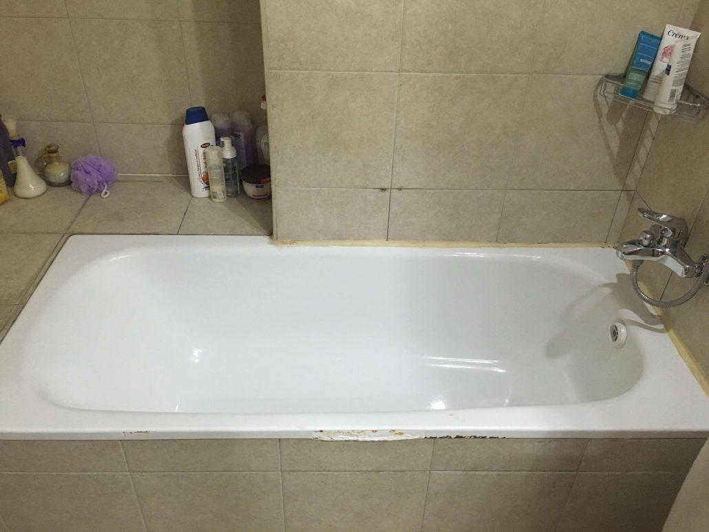 אמבטיה אקרילית לפני ציפוי